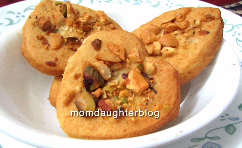 Eggless cookies recipe in pressure cooker